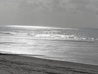 PLAGE DE CAROL REFLET DU SOLEIL SUR MER 4