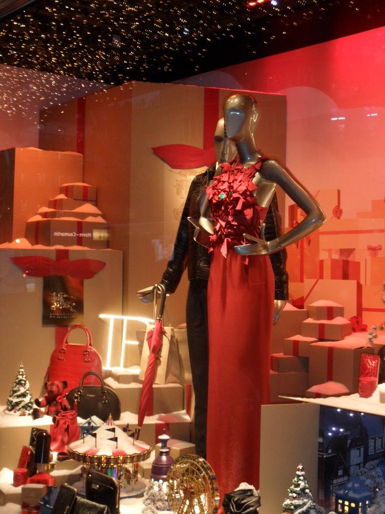 Illuminations et vitrines de no l willykean - Decoration vitrine printemps ...