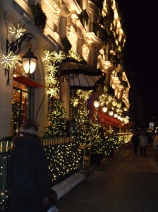 illuminations avenue montaigne