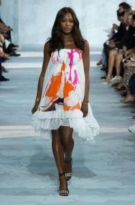 defile-diane-von-furstenberg-pret-a-porter-printemps-ete-2015-photo-37