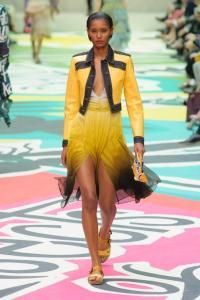 tailleur-burberry-prorsum-printemps-ete-2015-photo-2